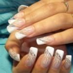 Отслаивание наращенных ногтей