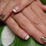 Акриловые ногти с настоящим пером