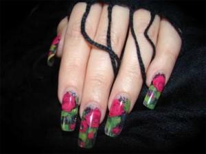 Акриловые розы на гелевых ногтях