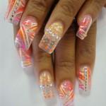 Неоновая абстракция на прозрачных ногтях