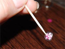Наклейки для ногтей: основные виды и способы нанесения
