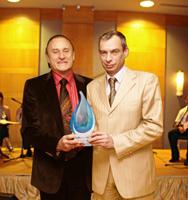 Основатель ORLY Джеф Пинк вручил награду Александру Малько