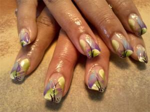 Дизайн ногтей «Цветочная абстракция»
