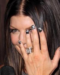 Чёрный и белый в дизайне ногтей