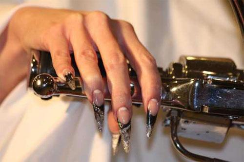 """Дизайн ногтей """"Серебряные стилеты"""""""
