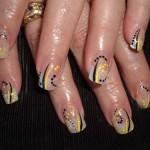 Дизайн ногтей «Абстрактные полосы»