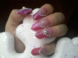 Дизайн ногтей «Зимний жемчуг»