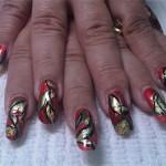 Дизайн ногтей «Праздничные лепестки»