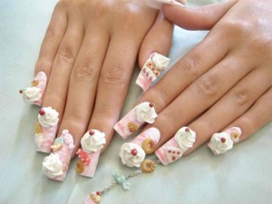 Дизайн ногтей «Сладкоежка»