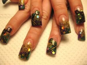 Дизайн ногтей «Маскарад»