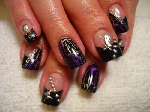 Пиратский дизайн ногтей