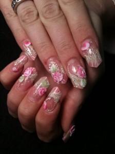Дизайн ногтей с объемными розами из акрила
