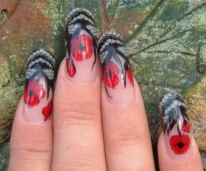 Дизайн ногтей «Маки в кружевах»