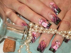 Дизайн ногтей «Цветы в кружевах»
