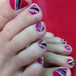Дизайн ногтей на ногах с драгоценными камнями