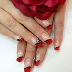 Красный цветочный френч