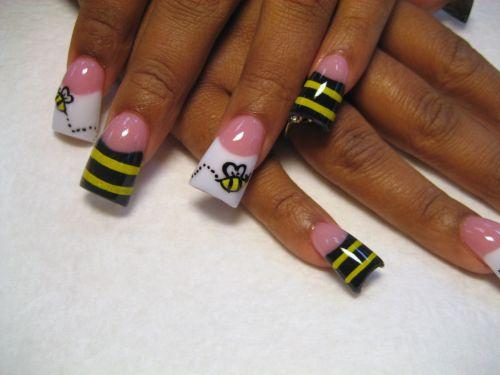 """Дизайн ногтей """"Полет пчелы"""""""