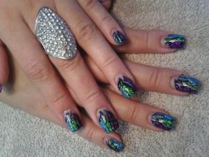 Дизайн ногтей с эффектом блеска
