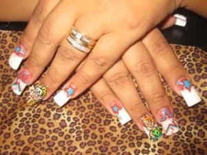 Дизайн ногтей в стиле Флинтстоунов