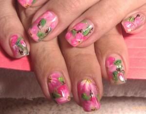 Дизайн ногтей «Нежные цветы»