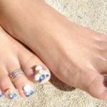 Дизайн ногтей на ногах «Сейшелы»