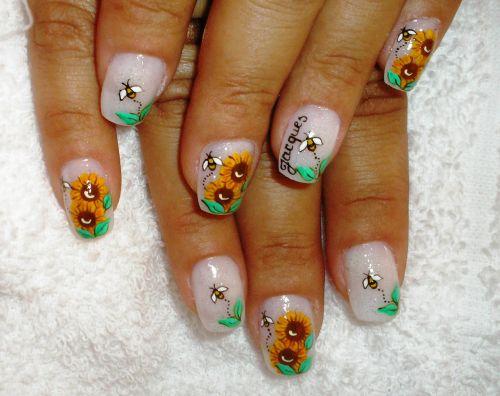 """Дизайн ногтей """"Путь пчелы"""""""