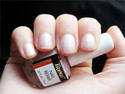 Ремонт поломанных или треснувших ногтей