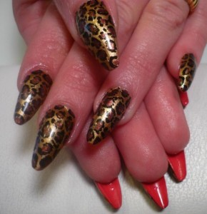Леопардовый дизайн ногтей