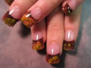 Дизайн ногтей «Опавшие листья»