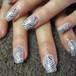 Дизайн ногтей «Бриллиантовая зебра»