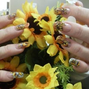 Дизайн ногтей «Подсолнухи»