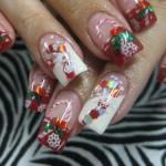 Дизайн ногтей «Рождественский леденец»
