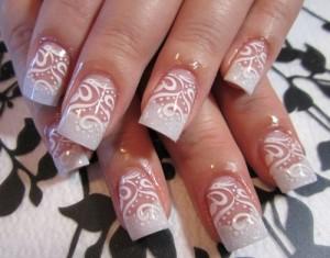 Дизайн ногтей «Белое кружево»
