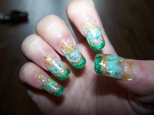 """Дизайн ногтей """"Изумрудный город"""""""