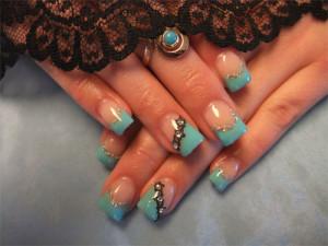 Дизайн ногтей «Бирюза и кружево»